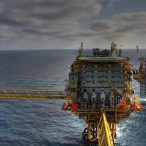 Mercados petroleros temen la venganza iraní