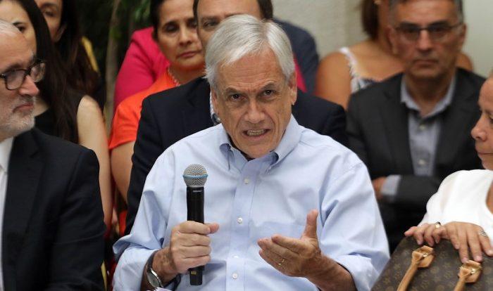 Arremetida presidencial: Piñera sale a blindar a intendente Guevara y fustiga a parlamentarios por dedicarse a