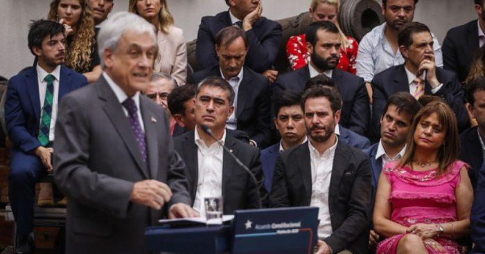 Oficialismo se juega su última carta para aunar criterios sobre paridad: Piñera y Chile Vamos se reúnen este domingo para zanjar posición común