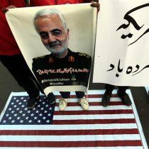 """""""Lanzó un cartucho de dinamita en un polvorín"""": las duras críticas de los demócratas a la orden de Trump de matar a general iraní"""