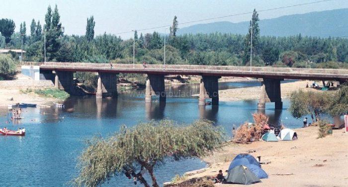 Manifestantes se tomaron puente Renaico para protestar en contra de la intervención del río en plena crisis hídrica