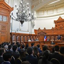 Presidente de la Corte Suprema insiste con su crítica a la jueza Acevedo: magistrados deben desligarse de