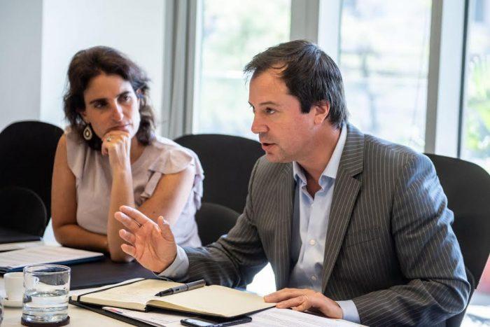 Retail financiero, cooperativas de crédito y cajas de compensación se suman a plan de ministro Palacios contra el endeudamiento