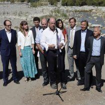 Ministro Moreno pide a grandes empresas reducir al menos un 10% el consumo de agua como medida para enfrentar la sequía