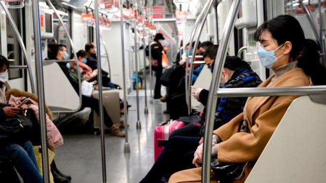 La aplicación de celular china para detectar quiénes están en riesgo por el coronavirus