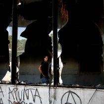 Investigación apunta a un grupo de 10 encapuchados como posibles autores del incendio al Museo Violeta Parra