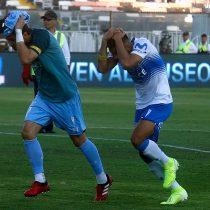 Suspenden el partido entre Colo Colo y Universidad Católica por serios incidentes en el estadio Monumental
