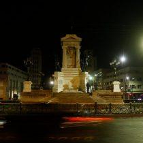 Tras ataque del fin de semana: resguardan con alambres de púas el Monumento a los Héroes de Iquique