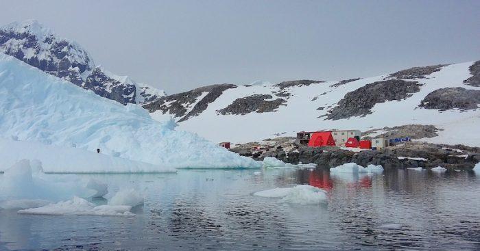 Aniversario de la base Yelcho, la perla de la ciencia marina antártica