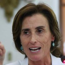 El tira y afloja de Marcela Cubillos: ministra descarta renuncia a Educación pese a versiones de que habría presionado para ir a otra cartera