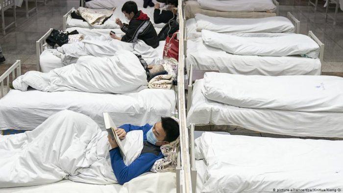 China extrema restricciones y reporta 563 muertos por coronavirus
