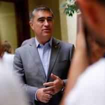 Diálogo Desbordes-oposición: derecha y Gobierno suben el tono para cuestionar estrategia del timonel RN