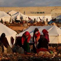 """ONU pide alto el fuego y alerta sobre """"horrible crisis"""" de casi un millón de desplazados en Siria"""