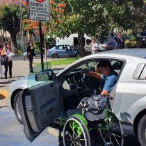 Aumentan sanciones por utilizar indebidamente estacionamientos para personas con discapacidad