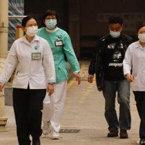 Hong Kong reporta primera muerte de paciente por coronavirus y cierra más pasos fronterizos con China