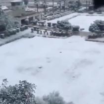 Habitantes de Bagdad son sorprendidos por inusual nevazón