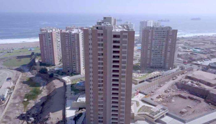 A diez años del 27F, la evolución de los edificios con sistema antisísmico