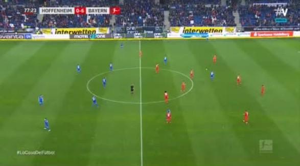 Jugadores del Bayern Munich y el Hoffenheim hacen