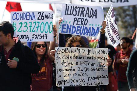 Condonación de deudas del CAE genera choque en el oficialismo: Hacienda y Educación dan portazo a propuesta de presidente RN