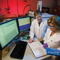 Mi fórmula para que las mujeres no abandonen la ciencia: trabajar 8 horas al día