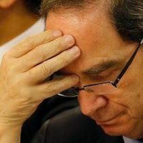 """Familiares de víctimas de la Colonia Dignidad en picada contra el ministro Larraín: """"Nunca ha sido garantía de verdad y justicia"""""""