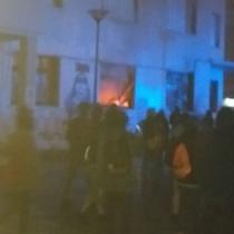 Desconocidos incendian Gobernación Provincial de Llanquihue y atacan a Bomberos que llegaron a combatir el fuego
