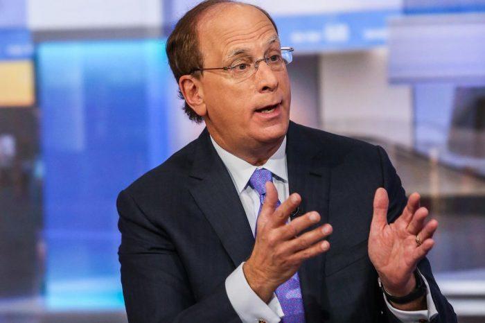 Larry Fink, Chile y un llamado urgente a los CEO
