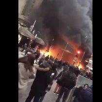 Caos en París: protestas contra cantante del Congo derivan en incendio al lado de emblemática estación de trenes