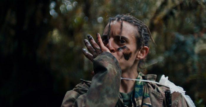 """Se estrena en Chile """"Monos"""": la hipnótica y alegórica película inspirada en la guerrilla colombiana"""
