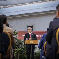 """Piñera promulga la reforma tributaria e insiste en su llamado al """"diálogo, colaboración y acuerdos"""""""
