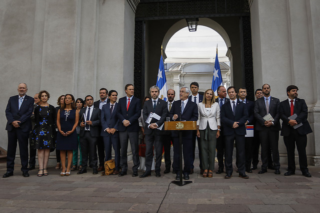 """Piñera vuelve de vacaciones y apela a recuperar el """"orden público"""" para tener un """"plebiscito democrático, limpio y transparente"""""""