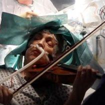 Artista tocó el violín mientras se le extirpaba un tumor cerebral