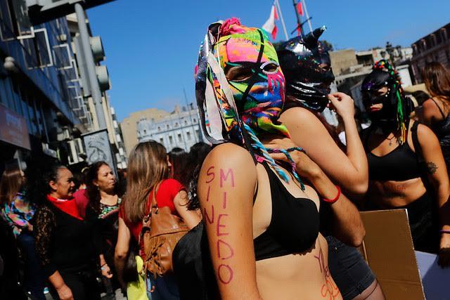 Santiago no es Chile: masivas marchas por el 8M se extienden por todo el país