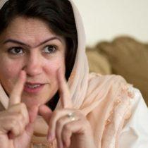 La mujer a la que los talibanes intentaron matar y luego negoció con ellos el acuerdo de paz en Afganistán