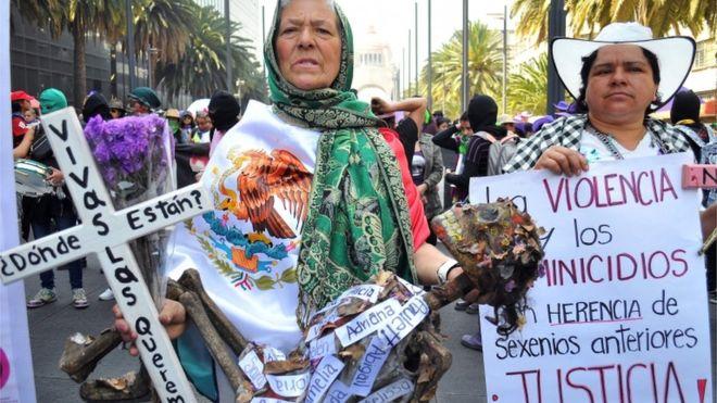 Millones de mujeres marcharon en todo el mundo en el Día de la Mujer para repudiar la violencia y pedir por la igualdad de género