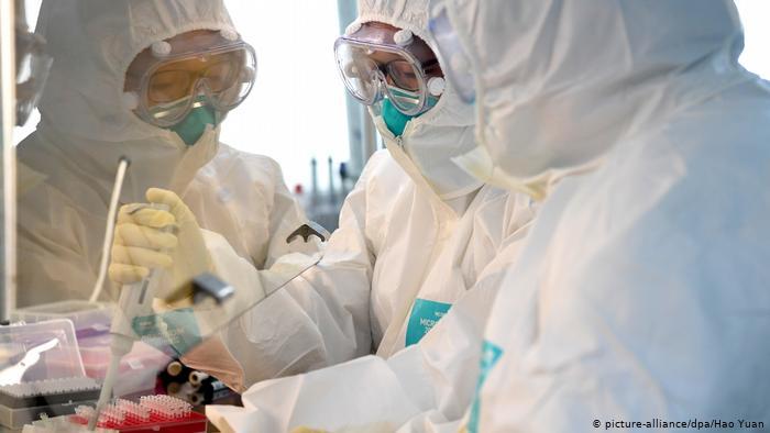 China dice haber desarrollado vacuna contra coronavirus y autoriza pruebas en humanos