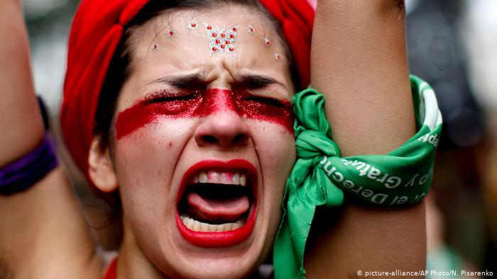 Miles marcharon en Argentina por aborto legal y contra feminicidios