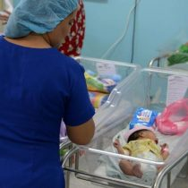 Mujer con COVID-19 da a luz a un bebé sano en Honduras