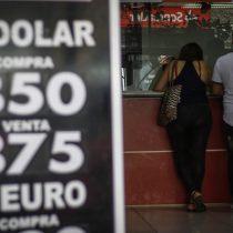 Dólar continúa con su tendencia al alza y cierra sus operaciones superando los $850