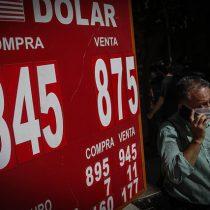 Dólar registra fuerte caída cerrando sus operaciones bajo los $830