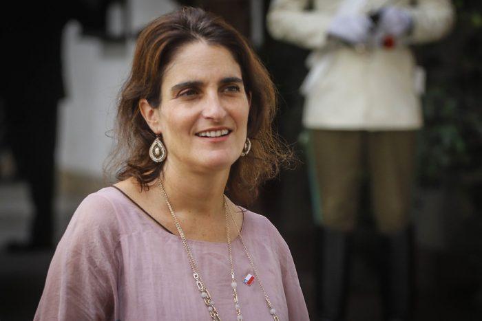Gobierno intenta zafar de polémica por criticado dictamen de la Dirección del Trabajo y parlamentarios cuestionan rol de ministra Zaldívar
