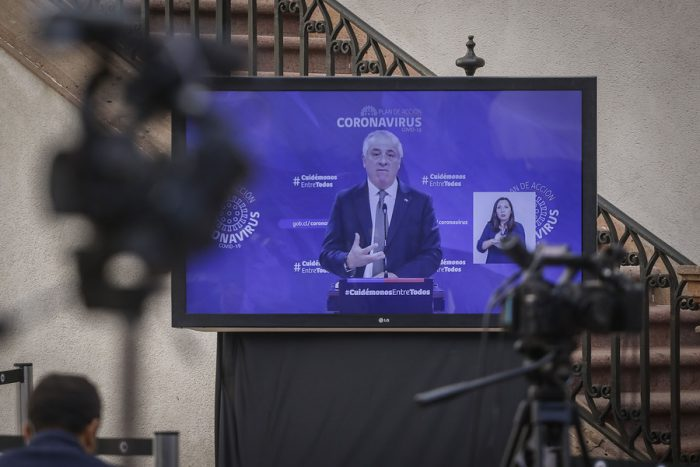 220 nuevos casos de contagiados con COVID-19 superan la barrera de los mil infectados y Gobierno adelanta vacaciones de invierno