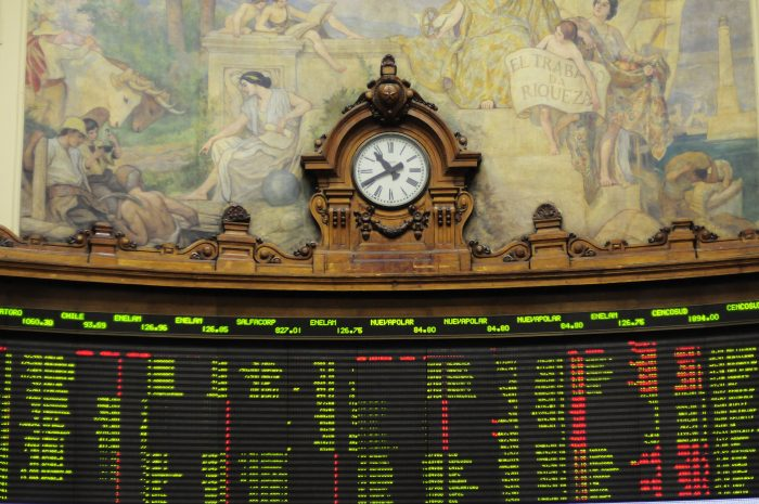 Wall Street se 'nubla'; Dow Jones cae más de 4%