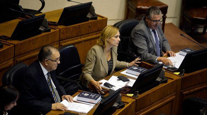 Senadores DC en picada: criticaron que plan económico de Piñera obliga a trabajadores a financiar la crisis con sus fondos de cesantía
