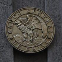 """Histórico: Banco Central recorta tasa de interés a sus niveles mínimos por el coronavirus y advierte """"contracción severa"""" de la economía"""