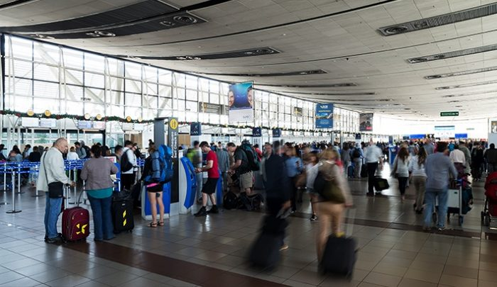 Cierre de fronteras para tránsito de personas extranjeras tras decretar etapa 4 del coronavirus en Chile