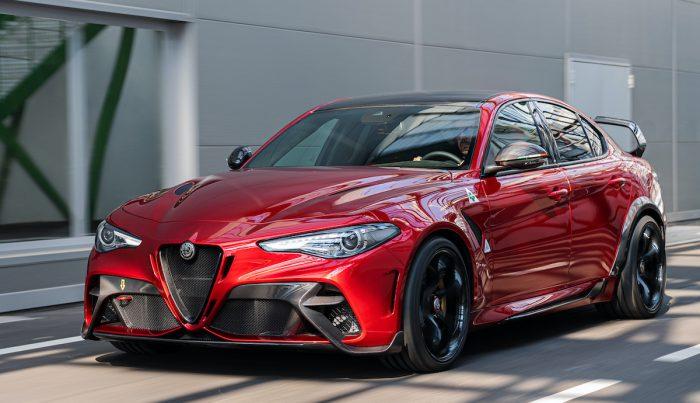 Nuevo Giulia GTA celebra los 110 años de Alfa Romeo