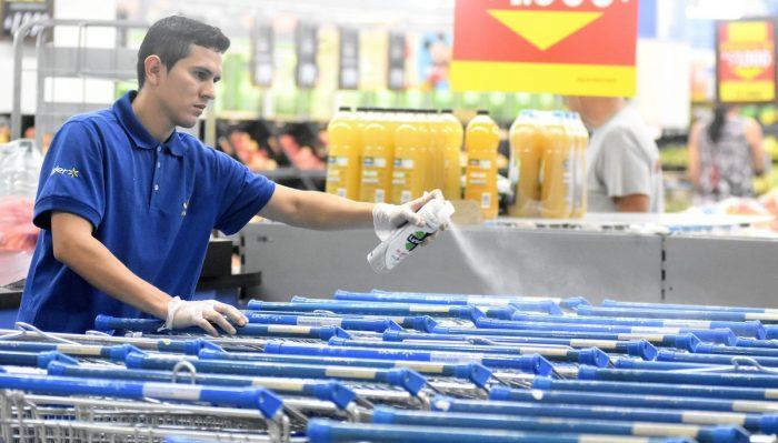 Walmart Chile mantiene horarios para asegurar abastecimiento de comunas en cuarentena