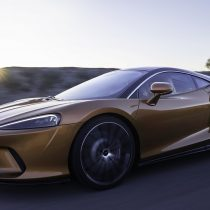 McLaren GT: reinventando la potencia y elegancia