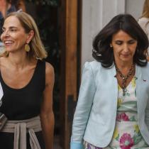 """""""No necesitamos un cambio de rostro, este remedio es peor que la enfermedad"""": agrupaciones feministas critican la entrada de Carolina Cuevas como ministra (s) de la Mujer"""